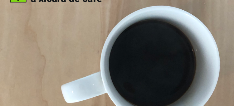 Flashcard of a cup of coffee with translations to English, German, Spanish and Portuguese.